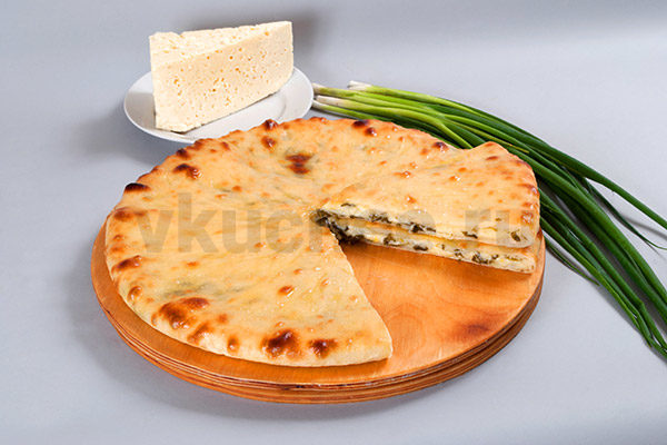 Осетинский пирог с сыром и луком фото